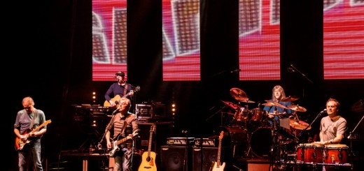 10cc - St Davids Hall Cardiff (SM stage) - Feb 15 (Medium)